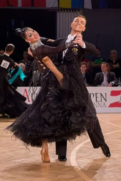 Kristine Vaha & Andreaa Liiv  #RossoLatino #Testimonial #danceshoes #passion