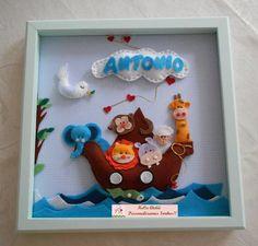 Lindo quadrinho em MDf 30x30 com vidro Tema Arca de Noé Aplicação de personagens em feltro Personalizado com o nome do bebê