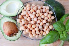 Red Chilli Lounge : Avocado Hummus
