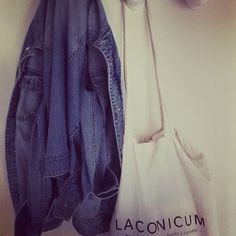 Nuestra bolsa sirve para todo. Y queda así de bien en cualquier percha.