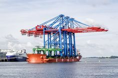 """Spezialfrachtschiff """"ZHEN HUA 20"""" – IMO 7826180 // #HamburgerHafen #Hamburg #Finkenwerder #Schiff #Schiffe #Frachtschiff #Spezialschiff #Spezialfrachtschiff #Hafen #ZHENHUA20 #Containerbrücke / gepinnt von www.MeerART.de"""