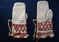 Nalbound mittens, Räisälä, Finland. Prior to 1883. Length 28 cm, width 8.5-14 cm.