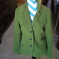 Awesome JCrew green blazer In good condition. This J Crew green blazer is great to throw on over almost anything to dress it up. J. Crew Jackets & Coats Blazers