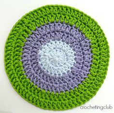 crochetingclub: crochet tips. flat circle: seamless join and standing stitches