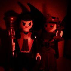 Novos membros pra deixar a coleção um pouco mais assustadora. #playmobil #dracula