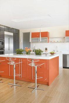 orange kitchen decor that will make you jealous. inspirational yellow and orange kitchen ideas orange kitchen accents Burnt Orange Kitchen, Orange Kitchen Decor, Kitchen Colors, Beautiful Kitchens, Cool Kitchens, Colorful Kitchens, Brown Kitchens, Custom Kitchens, Luxury Kitchens