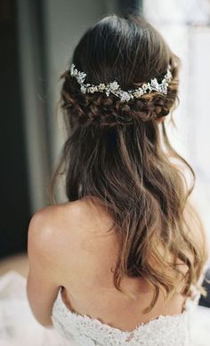 Featured Photographer: Laura Gordon, Featured Hairpiece: Enchanted Atelier by Liv Hart