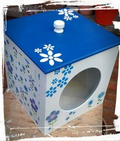 Caja de galletitas Toy Boxes, Stool, Crafts, Painting, Furniture, Home Decor, Ideas, Spice Jars Glass, Diy And Crafts