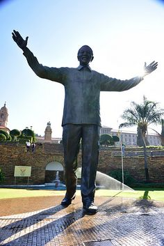 Nelson Mandela Statue, Union Buildings, Tshwane, Pretoria, Gauteng, South Africa | by South African Tourism Pretoria, Nelson Mandela, Apartheid Museum, Time For Africa, South Afrika, Black History Facts, Winter Wonderland Wedding, Kruger National Park, Busy City