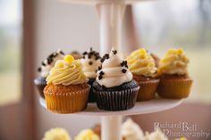 Fresh, fluffy wedding cupcakes | photo credit Richard Bell Photography #CupcakeDownSouth #WeddingCupcakes #CharlestonSC #ColumbiaSC
