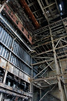 destroyed-and-abandoned:  Inside an abandoned coal-fired power plant via lopix