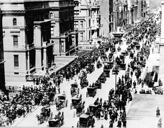 After seeing some really awesome pictures of #NewYork I feel like collecting a bunch too :) Easter, #FifthAvenue, 1900.One car visible, coming towards foreground.