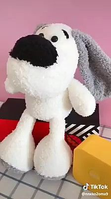 How to make a stuffed puppy using socks step by step Diy Crafts Hacks, Diy Arts And Crafts, Creative Crafts, Diy Crafts For Kids, Diy Sock Toys, Sock Crafts, Sewing Stuffed Animals, Stuffed Toys Patterns, Fabric Toys
