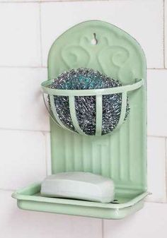 Charmed with Chores Soap Dish. While you'd rather serve up dessert than start scrubbing up dishes, lately you cant help but be delighted by this mint soap dish! Vintage Pyrex, Vintage Enamelware, Shabby Vintage, Retro Vintage, Vintage Dishes, Vintage Green, Kitchen Items, Kitchen Gadgets, New Kitchen