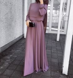 This Elegant muslim outift ideas for eid mubarak 80 image is part from Elegant Muslim Outfits Ideas for Eid Mubarak gallery and article, click read it bellow to see high resolutions quality image and another awesome image ideas. Hijab Outfit, Hijab Dress, Hijab Wear, Abaya Fashion, Modest Fashion, Fashion Dresses, Fashion Fashion, Trendy Fashion, Modest Dresses