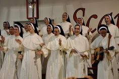 The newly professed Nashville Dominican sisters of 2012
