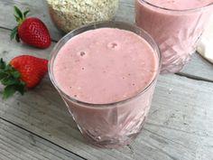 Havermout ontbijtsmoothie met aarbei en banaan 1 banaan 1 grote hand verse aardbeien 50 gram havermout Scheut water