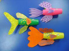 Manualidades con los peques peces con tubos de cart n - Manualidades con vasos de plastico ...