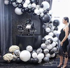 Black and white balloon garland - Decoration For Home Party Themes For Boys, Baby Shower Decorations For Boys, Birthday Party Decorations, Birthday Parties, Black And White Party Decorations, Themed Parties, Black White Parties, Shower Party, Baby Shower Parties