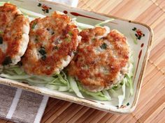 Delicious Homemade Lotus Root Cakes http://www.daydaycook.com/recipe/1/details/966/Delicious-Lotus-Root-Patties.html