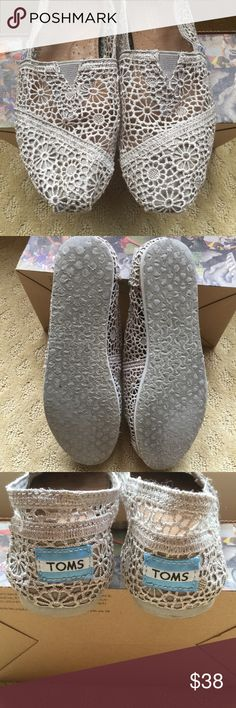 TOMS SILVER MORROC CROCHET CLASSIC SHOES These are great warm weTher shoes! EUC washable (just don't put them in the dryer unless you want to shrink them) TOMS are the most comfortable shoe I've ever owned but due to my foot surgery I can no longer wear this size😔 Toms Shoes Flats & Loafers