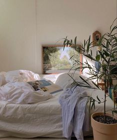 🖤 Room Ideas Bedroom, Bedroom Inspo, Bedroom Decor, Room Wall Decor, Dream Rooms, Dream Bedroom, White Bedroom, Pretty Room, Aesthetic Room Decor