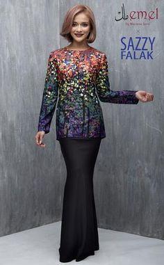 emel x sazzy falak baju raya baju kurung moden African Wear, African Dress, Ethnic Fashion, Hijab Fashion, Vera Kebaya, Baju Kurung Lace, Muslim Dress, 2 Piece Outfits, Beauty
