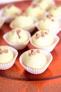 White Chocolate Cinnamon Pumpkin Truffles: I have not had much luck with the creation of cake balls but these sounds so incredibly yummy that I am very tempted!