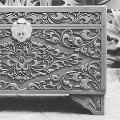 Wow #theshabbychick #shabbychic #balinese #indonesian #vintage #vintagefurniture #upcycle #recycle #handmade #handpainted #paintedfurniture #furniturepainting #chalkpaint #timber #carving #ornate #home #style #design #interiordesigner #stylist #northernbeaches #sydney Painted Furniture, Carving, Refurbished Furniture, Hand Painted, Decorative Boxes, Shabby, Shabby Chic Buffet, Vintage Furniture, Carved Furniture