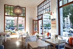 Ein Laden, der als Café weiterlebt: Lohner und Grobitsch #Westend #München