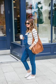 Find out how to get this trendy maternity style by House of Harper - #maternity #style #trendy #overalls