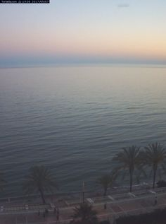 Webcam beach and boulevard view of the 'Playa de la Fontanilla' in Marbella