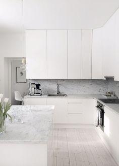 White kitchen cabinet design ideas (74)