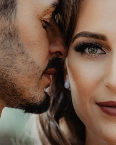 Wedding photography, please click these stunning pin tip ref 3000094646 today. Couple Photoshoot Poses, Couple Photography Poses, Couple Posing, Couple Portraits, Couple Shoot, Wedding Photography, Creative Couples Photography, Photoshoot Ideas, Pre Wedding Poses