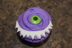 Halloween Cupcake ~ One Eyed Monster Fondant teeth and candy eye