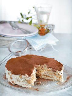 Tiramisu, Food styling Antonia Kati photo by Anastasia Adamaki Angel Cake, Cake Pops, Food Styling, Tiramisu, Cake Recipes, Sweets, Ethnic Recipes, Desserts, Photo Style