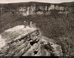 Pulpit Rock at Blackheath,in the Blue Mountains region of New South Wales in the Blue Mountains Australia, Australian Road Trip, Local History, Amazing Pics, South Wales, Countries Of The World, Back In The Day, Exhibitions, Time Travel