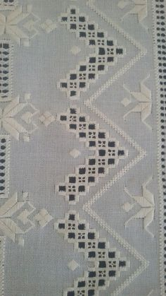 Hardanger Embroidery, Embroidery Patterns, Hand Embroidery, Knitting Patterns, Drawn Thread, Thread Work, Embroidered Bedding, Sewing Pants, Bargello