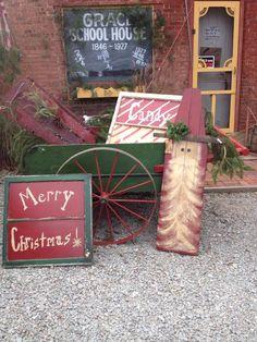 Santa- looks like an ironing board Primitive Christmas Crafts, Christmas Crafts To Make, Christmas Porch, Prim Christmas, Christmas Signs, Outdoor Christmas, Country Christmas, Christmas Projects, Winter Christmas