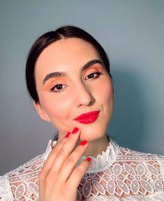 "Denisa Stanciu • M U A • on Instagram: ""Fuchsia moment 💖 What would you choose? Eyeshadow or glossy lips? 💕 ___ #bushybrows #pinklipstick #yslbeauty #anastasiabeverlyhills…"" Eyeliner, Eyeshadow, Ysl Beauty, Pink Lipsticks, Glossy Lips, Colorful Makeup, Smokey Eye, Anastasia Beverly Hills, Bridal Makeup"