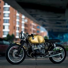 combustible-contraptions: BMW 900 Cafe Brat   Heinrich Tank