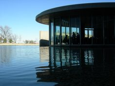 Modern Art Museum of Fort Worth, designed by Tadao Ando. (Joe Mabel)