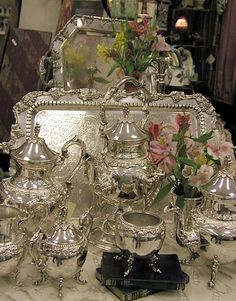 Decorating with Antique Silver Find your own Antique Silver Trays, Dishes, Tea Sets & Candlesticks . Homemade Pillow Cases, Homemade Pillows, Vintage Tea, Vintage Silver, Antique Silver, Silver Tea Set, Silver Trays, Silver Plate, Silver Spoons
