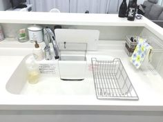 Tips in Selecting The Right Kitchen Sink - Kitchen Remodel Ideas Rustic Kitchen Island, Country Kitchen, Furniture Layout, Home Furniture, Home Exterior Makeover, Home Gym Design, Kitchen Sink Faucets, Trendy Home, Apartment Interior