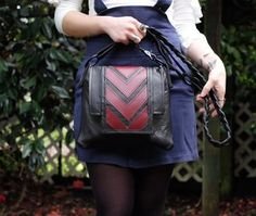 Stella Crossbody - Black w Burgundy Chevron MATYAS