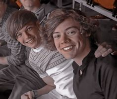 One Direction Collage, One Direction Pictures, I Love One Direction, Larry Stylinson, Five Guys, Harry Styles Pictures, Louis And Harry, Louis Williams, That One Friend