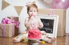 First Birthday / One Year Old Pictures /  Child's Birthday Photo Ideas