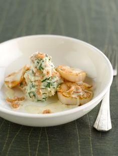 """Het lekkerste recept voor """"Feestelijke puree met garnalen en Sint Jakobsvruchten"""" vind je bij njam! Ontdek nu meer dan duizenden smakelijke njam!-recepten voor alledaags kookplezier! Super Healthy Recipes, Veggie Recipes, Fish Recipes, Seafood Recipes, Vegetarian Recipes, Cooking Recipes, I Want Food, Love Food, Weird Food"""