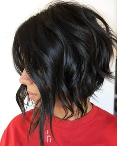Edgy Brunette Bob with Glossy Waves Dynamic layers and razored ends are the perfect combination for an edgy bob. A dramatic dark brown, almost black, color Wavy Inverted Bob, Inverted Bob Haircuts, Round Face Haircuts, Hairstyles For Round Faces, Straight Hairstyles, Short Hairstyles, Layered Haircuts, Edgy Bob Haircuts, Angled Bobs