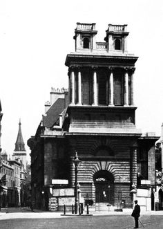 Nicholas Hawksmoor, St. Mary Woolnoth, London, England, 1716-1727